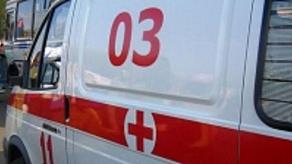 В Лисках водитель автомобиля «Фольксваген Поло» въехал на машине в кафе