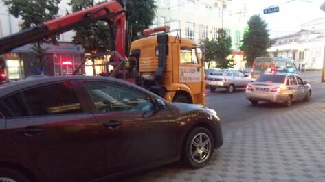 В Воронеже автоинспекторы начали охоту на неправильно припаркованные машины