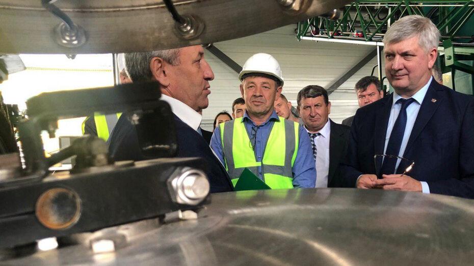 Губернатор Воронежской области осмотрел крупнейшие заводы Ольховатского района
