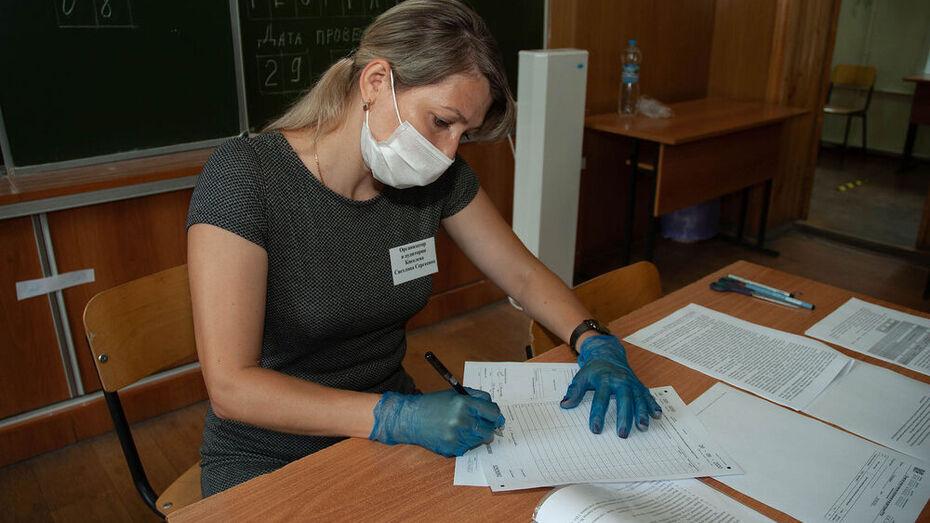 С начала учебного года выявили более 500 зараженных воронежских учителей
