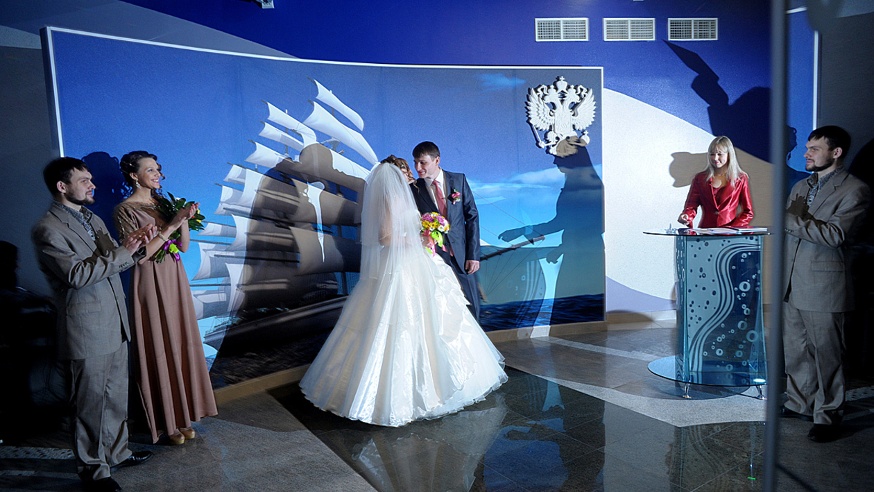 В «морском» ЗАГСе Воронежа состоялась первая торжественная церемония бракосочетания