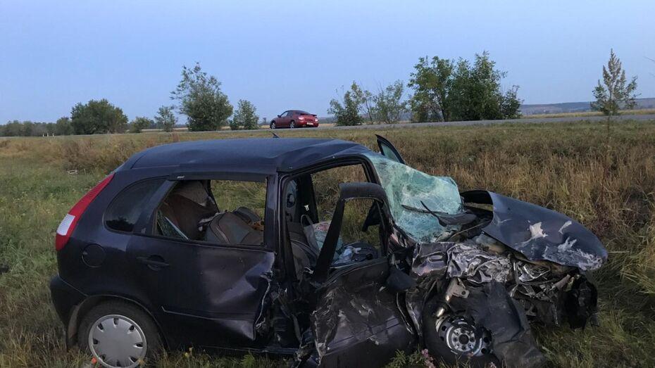 В Воронежской области столкнулись «Лада» и «ВАЗ»: погибла 43-летняя женщина