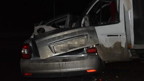 В ДТП на трассе в Воронежской области погибли 4 человека
