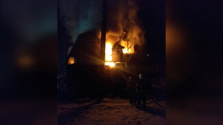 Пожар на турбазе под Воронежем тушили 39 человек