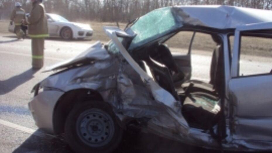 Водитель Lada погиб на 666-м км трасы М4 в Воронежской области