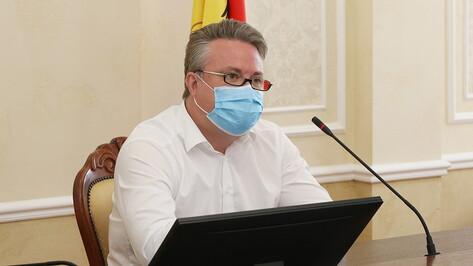 Мэр Воронежа напомнил о добровольном характере посещения общегородского выпускного