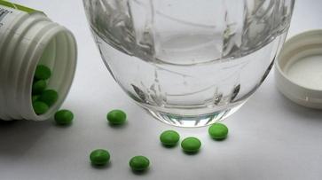 Прием антибиотиков при COVID-19 главный микробиолог Минздрава назвал необоснованным