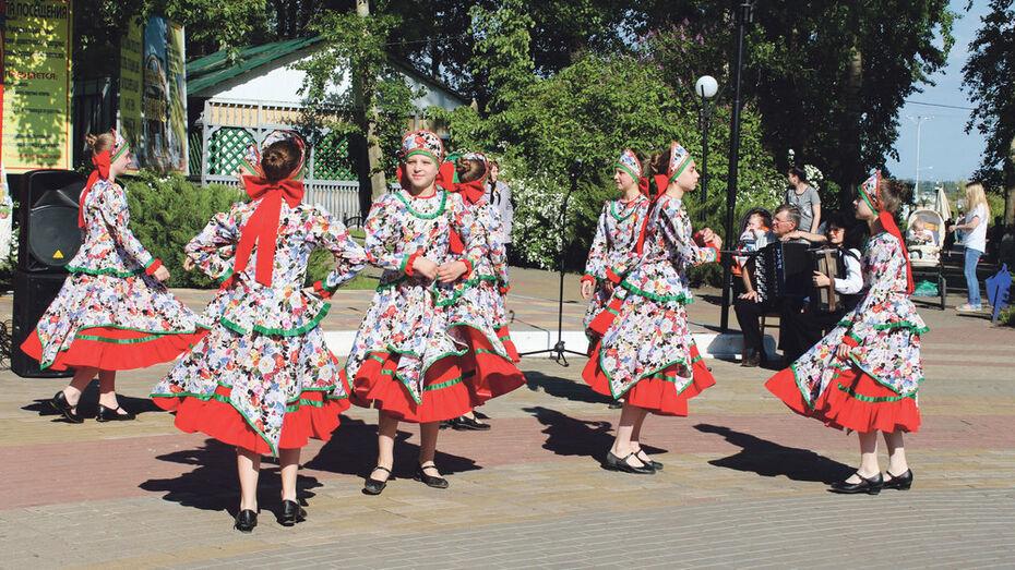 В Лисках оpen-air посвященный Дню славянской письменности собрал 500 человек