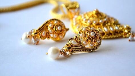 Бутурлиновец ответит в суде за кражу ювелирных украшений у знакомой на 670 тыс рублей