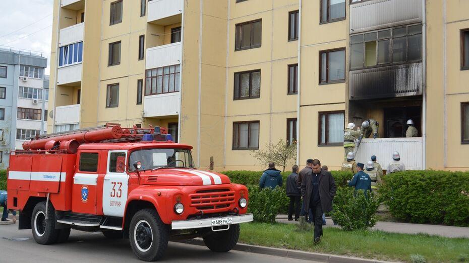 В Богучаре участвовавшие в соревнованиях спасатели потушили пожар «по соседству»