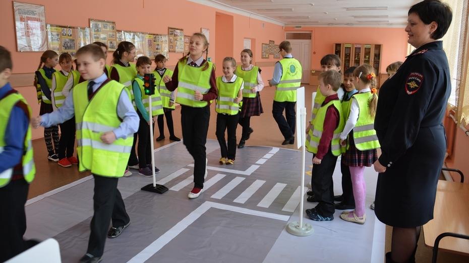 Поворинские школьники получили автогородок