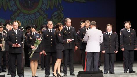 Воронежские сотрудники ОВД получили госнаграды в честь профессионального праздника