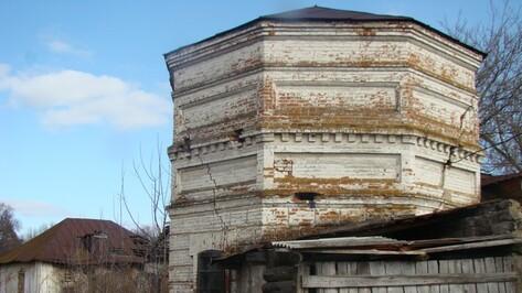 Поселок Новохоперского района до сих пор обеспечивает водой водонапорная башня усадьбы Раевских