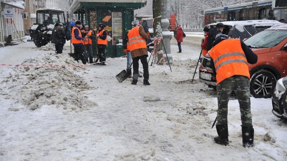Воронежские коммунальщики израсходовали 1 270 т песко-соляной смеси за ночь