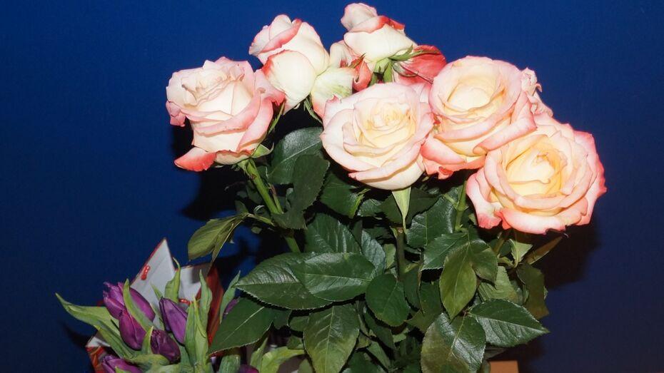 Воронежская воровка изображала богатую даму в цветочных магазинах