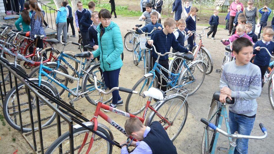 В богучарском селе велопарковку установили по проекту школьников
