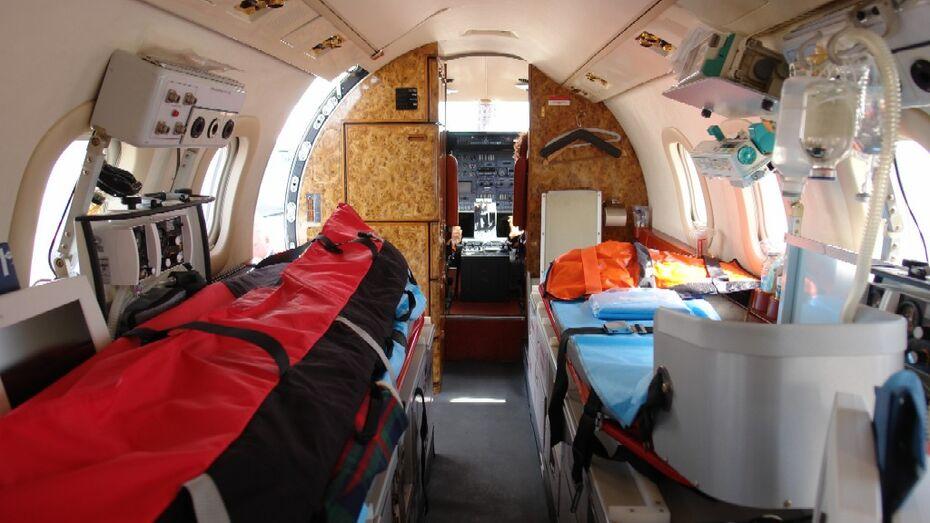 Воронежца, заболевшего на Новый год в Праге, доставили на родину на самолете
