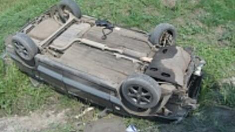 В Воронежской области на китайском Lifan разбились мужчина и девушка