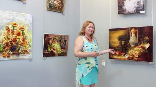 Лискинцев пригласили на экспозицию живописи поворинских художников
