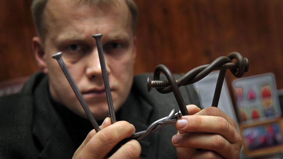 Чиновник-поэт из Воронежской области вяжет гвозди узлом и бьется на татами