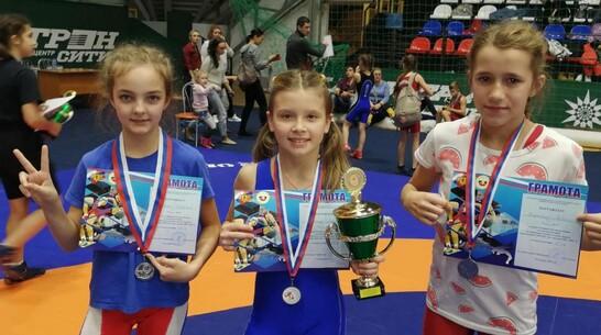 Эртильская школьница завоевала «золото» открытого первенства Рязани по спортивной борьбе