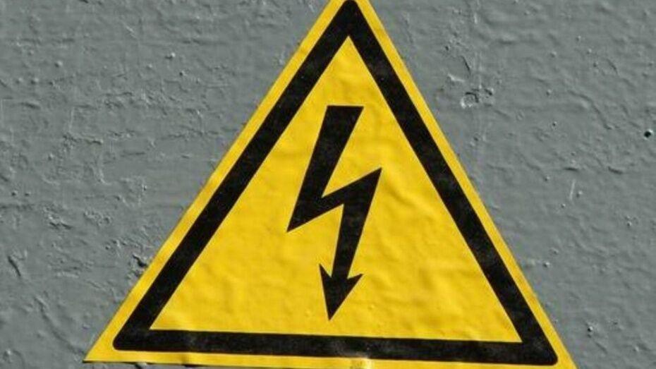 В Воронеже электрик погиб от удара током на стеклотарном заводе