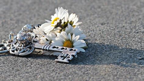 КамАЗ насмерть сбил неизвестную женщину в Воронеже