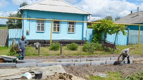 В репьевском селе Россошь начали строительство тротуара
