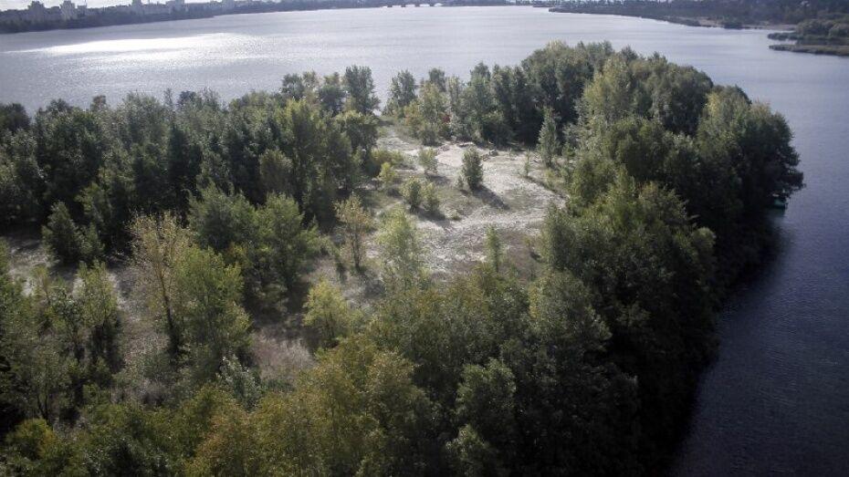 Специалисты подняли со дна Воронежского водохранилища 250 тыс куб м ила