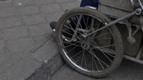 Строители оставили воронежских инвалидов-колясочников без пандусов в зданиях райсудов