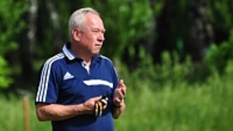 Наставник воронежского «Факела» Александр Корешков: «Игроки должны играть ради зрителей и репутации»