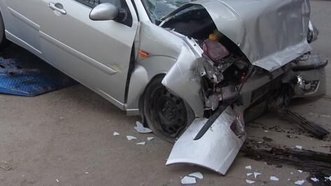 Полицейский попал в ДТП с 3 машинами в центре Воронежа