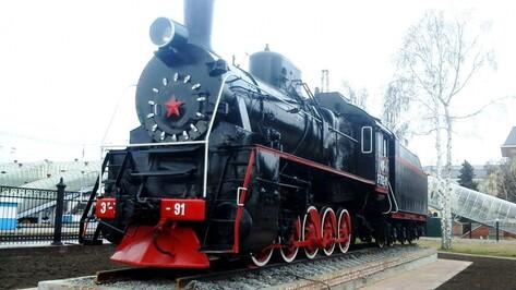 Воронежец заплатит штраф за разбитое окно памятника-паровоза возле вокзала