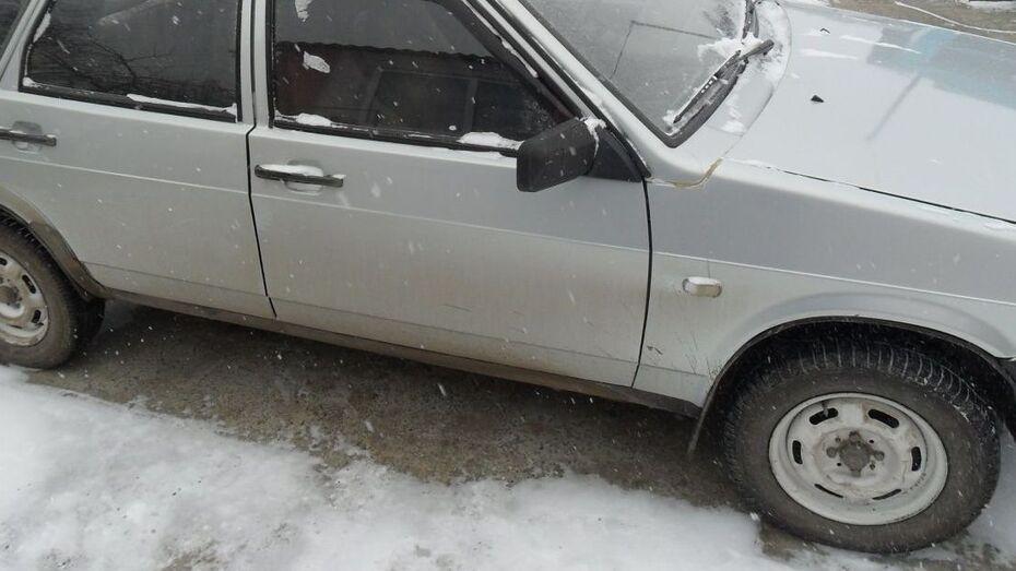 Воронежца избили и ограбили люди из попутки