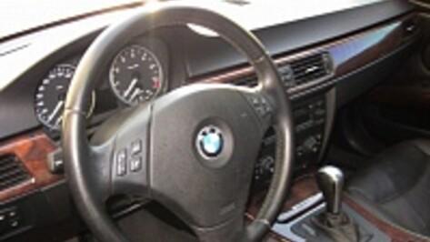 Под Воронежем 2 парня перевернулись на BMW