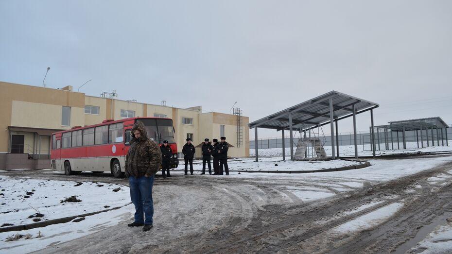 В Семилукском районе центр временного содержания мигрантов принял первых постояльцев