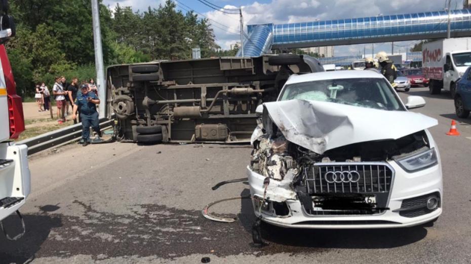 В Воронеже перевернулась маршрутная «Газель»: пострадали 2 пассажира