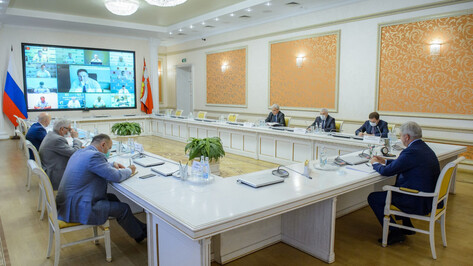 Воронежский губернатор провел заседание оперштаба по противодействию коронавирусу