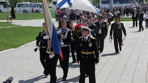 Новоусманские ветераны и школьники побывали на Прохоровском поле
