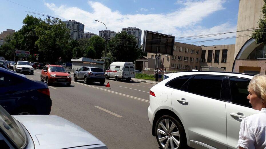 Активисты «Пешеходного Воронежа» предложили способ обезопасить стихийный переход у Цирка