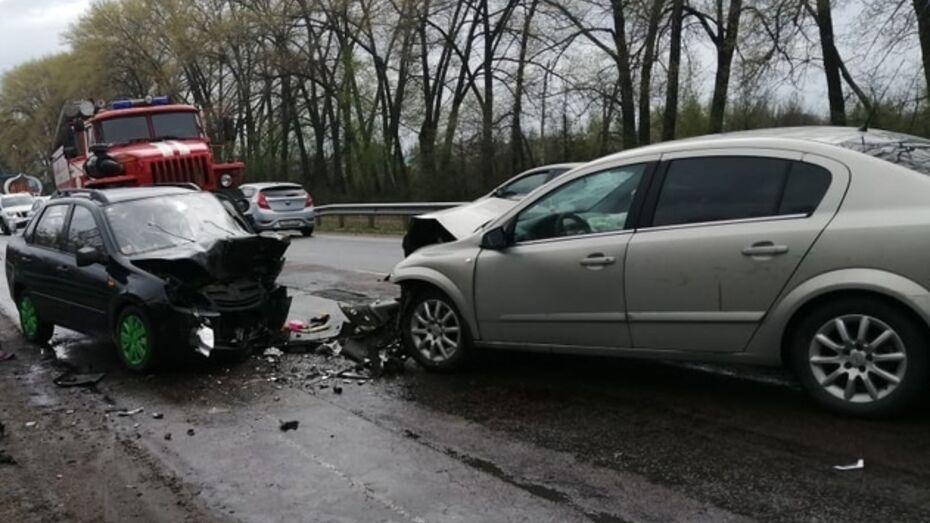 В Воронежской области иномарка вылетела на встречку: погибла женщина