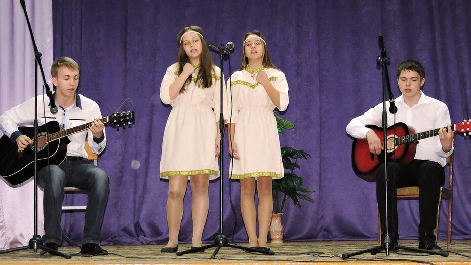 Кантемировская школьница победила на конкурсе патриотической песни