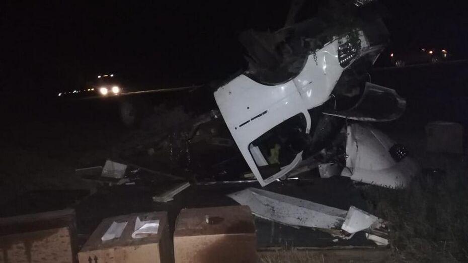 В Павловском районе 29-летний воронежец погиб после двойного наезда