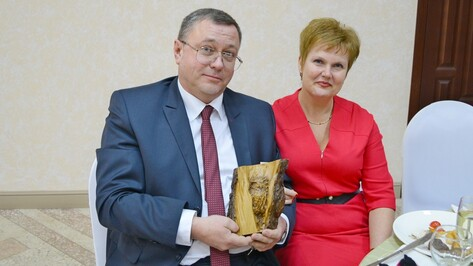 На Рождественском балу в Семилуках собрали около 700 тыс рублей