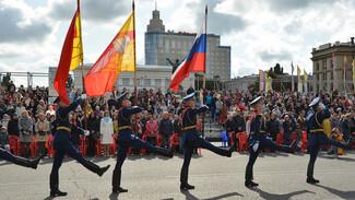 Александр Гусев и Владимир Нетесов поздравили воронежцев с Днем города