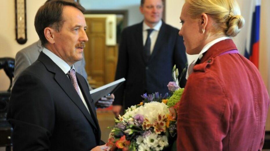 Губернатор вручил женщинам Воронежской области государственные награды
