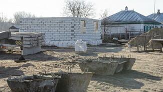 Новые дома в погоревшей воронежской Николаевке достроят к марту 2021 года