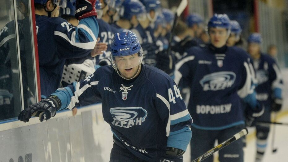 Станислав Тунхузин стал лучшим игроком «Бурана» в декабре