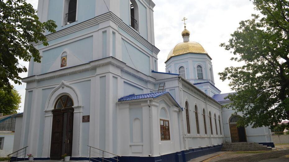 Глава Воронежской митрополии передал храму Павловска копию иконы Казанской Божией Матери