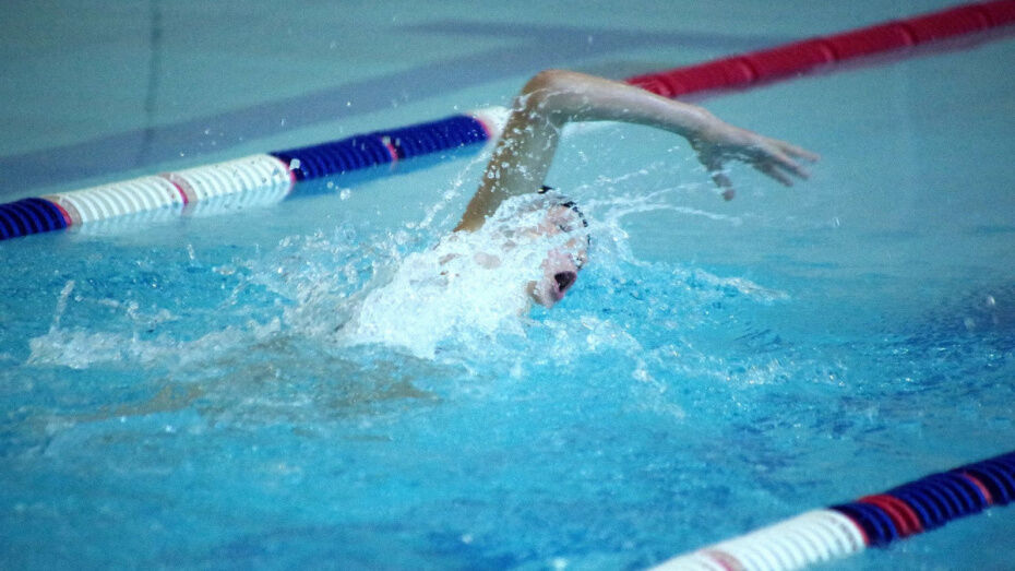 Сердце студента воронежского меда отказало через 5 минут после начала занятия в бассейне